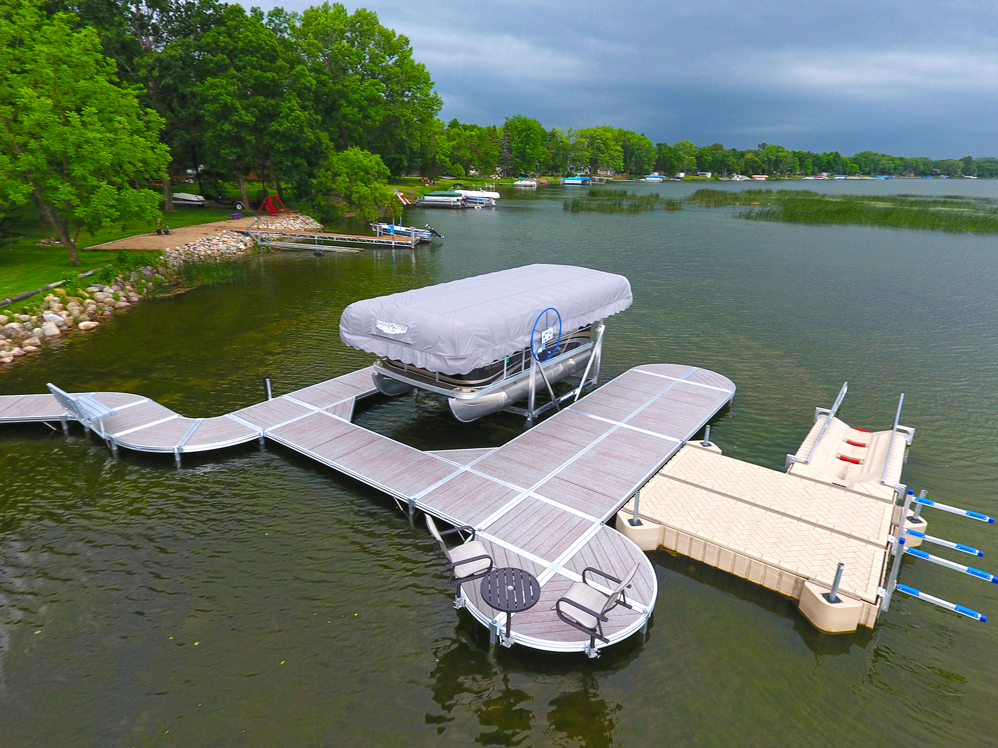 ShoreMaster Infintiy RS4 Dock with Gray Woodgain Decking and Curve Dock with PolyDock, ShorePort, Vertical Lift, Furniture