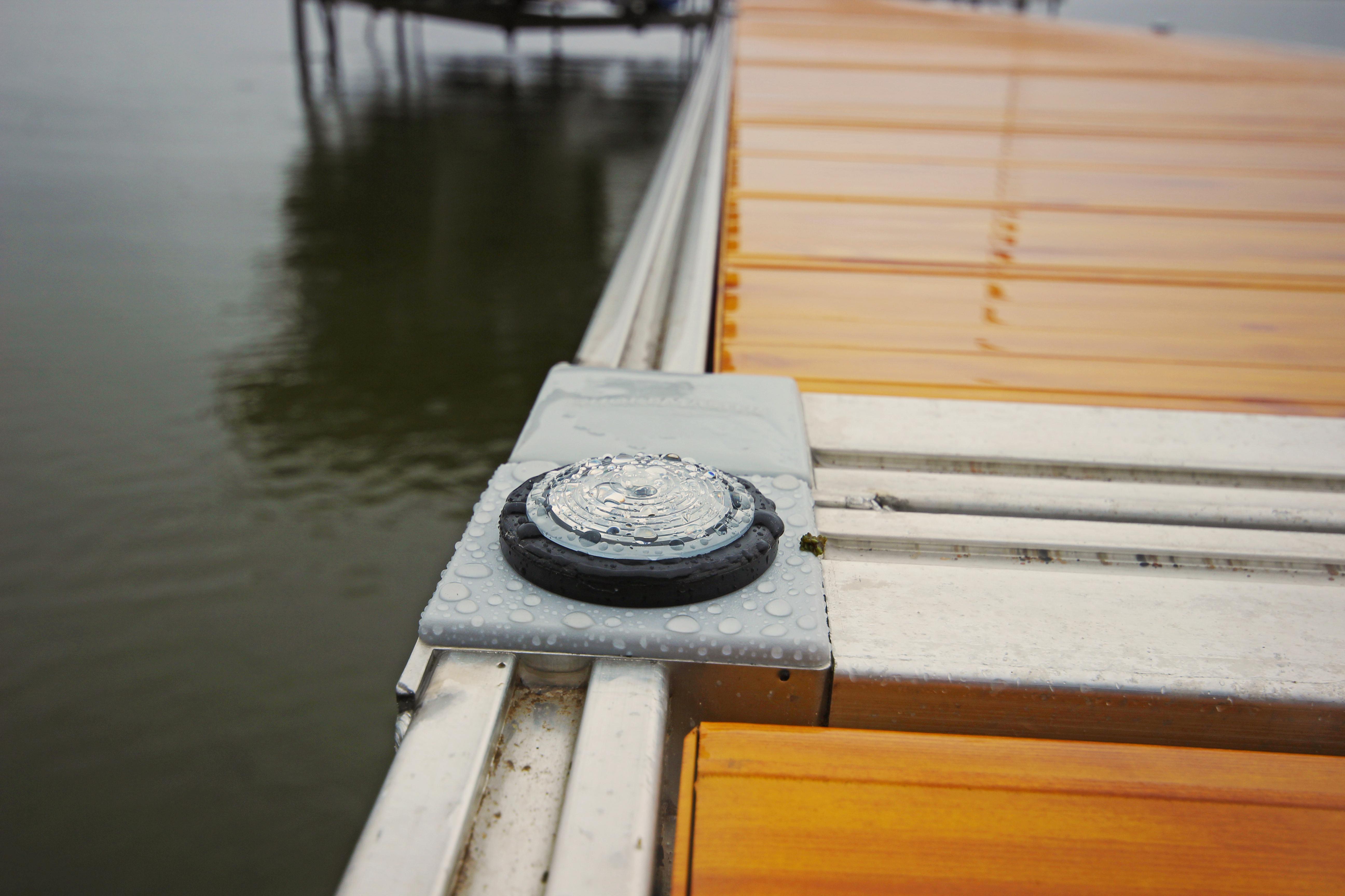 Solar Dock Lights Shoremaster